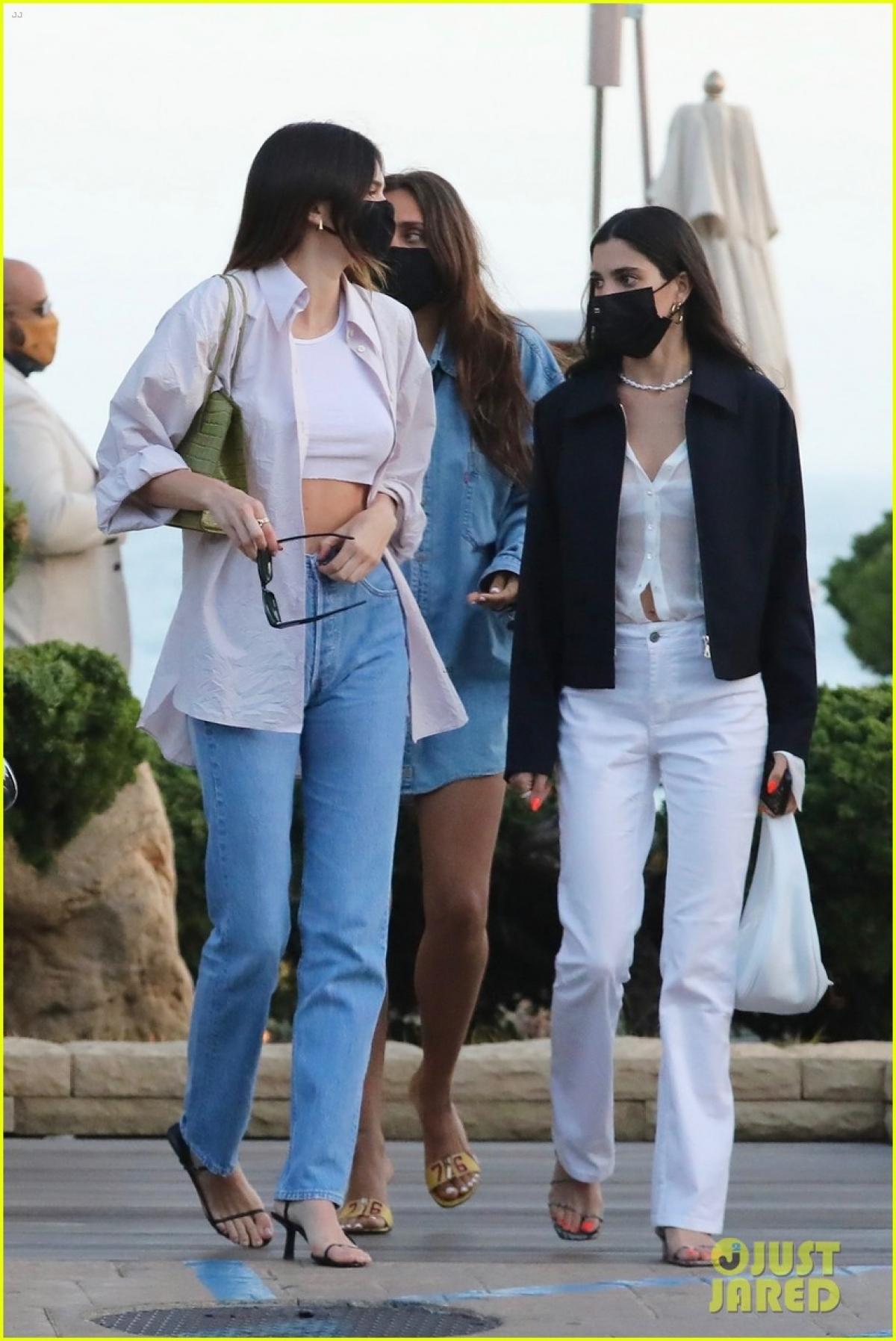 Kendall Jenner hiện đang có sự nghiệp vững chắc và tình yêu đẹp.