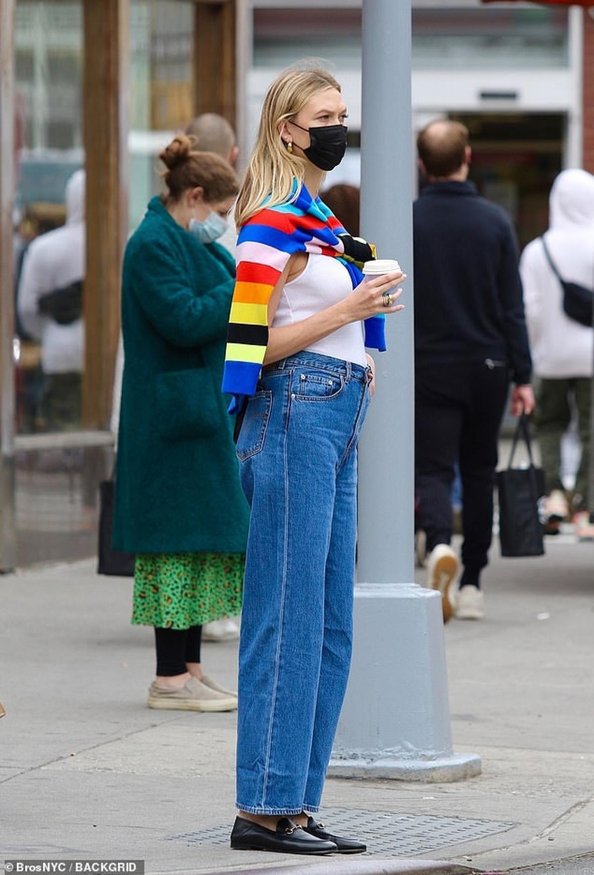Karlie Kloss được biết đến là một trong những cựu thiên thần Victoria's Secret. Cô sở hữu chiều cao nổi bật 1,88 m.