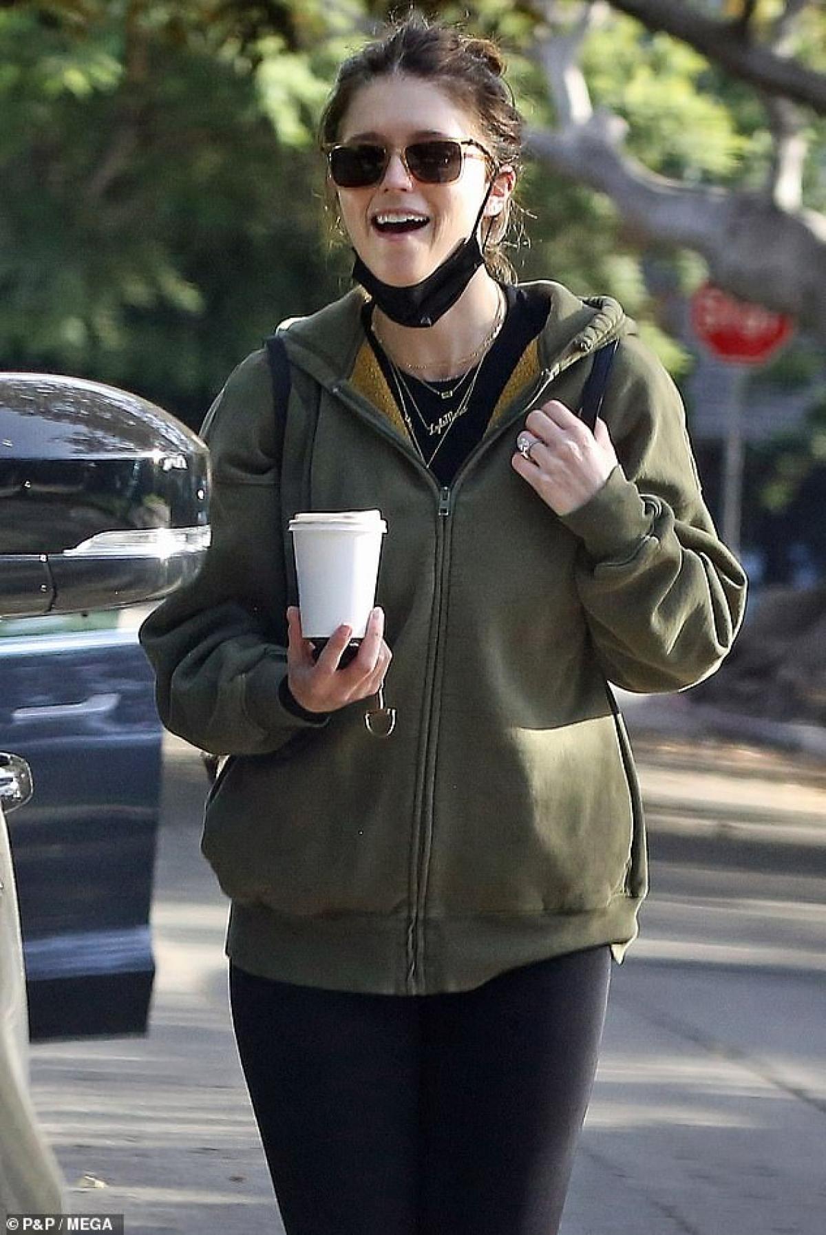 Katherine Schwarzenegger là một nhà văn, blogger tiếng tăm. Cô là con gái của diễn viên Arnold Schwarzenegger và nhà báo Maria Shriver.