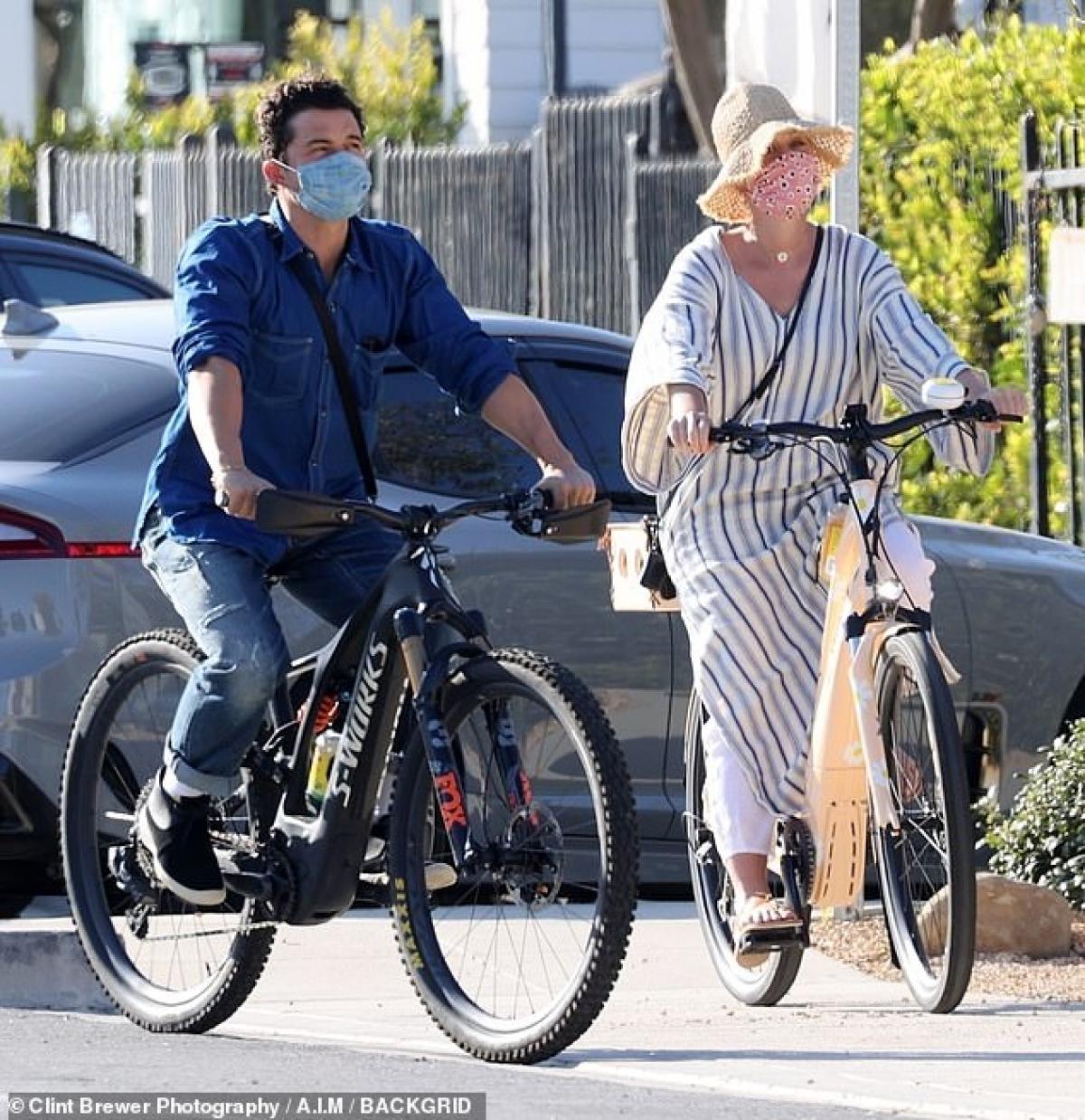 Để con gái có không gian sống rộng rãi và trong lành, cuối năm ngoái Katy và Orlando đã mua biệt thự lớn trên đồi ở Montecito, California.