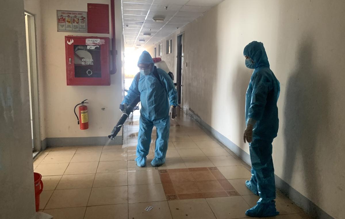 Khử khuẩn khách sạn và tạm thời không đón khách