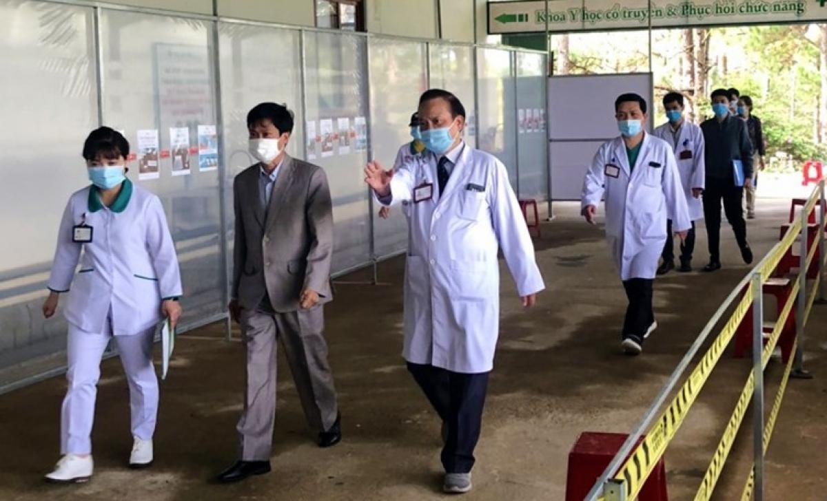 Sở Y tế Lâm Đồng kiểm tra công tác phân luồng, sàn lọc bệnh nhân tại Bệnh viện Hoàn Mỹ Đà Lạt.