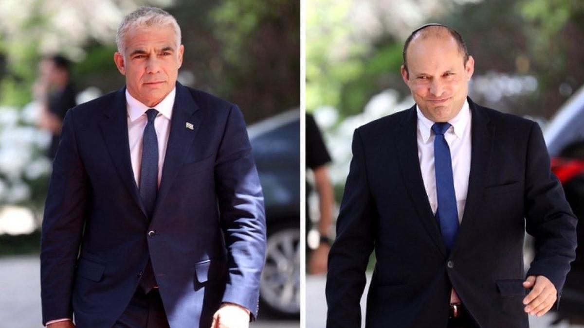 Lãnh đạo đảng trung tả về thứ 2 Yair Lapid (bên trái) trong cuộc tổng tuyển cử ở Israel. Ảnh:BBC