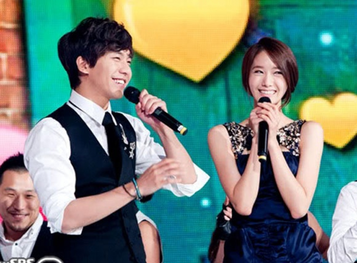 """Lee Seung Gi và YoonA (SNSD) được mệnh danh là """"cặp đôi quốc dân""""."""