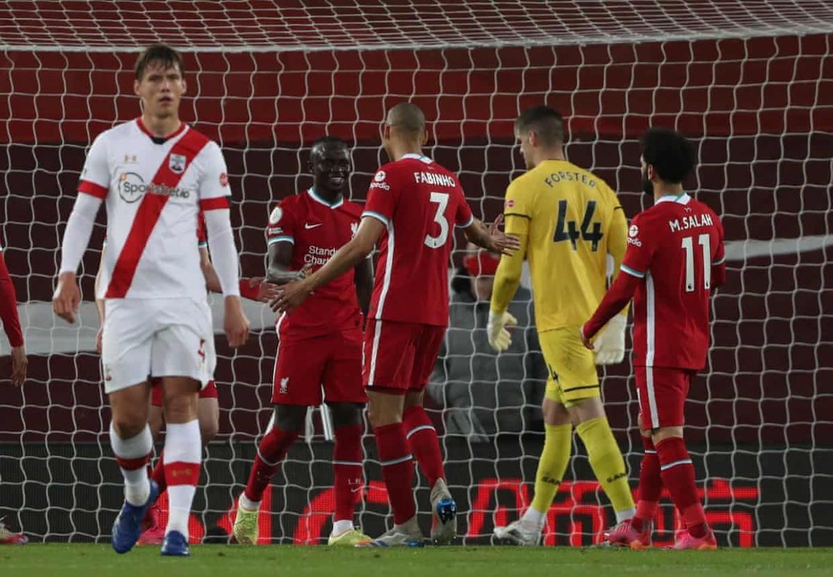 Liverpool vượt lên dẫn trước ngay sau khi Southampton bỏ lỡ cơ hội. (Ảnh: Getty)