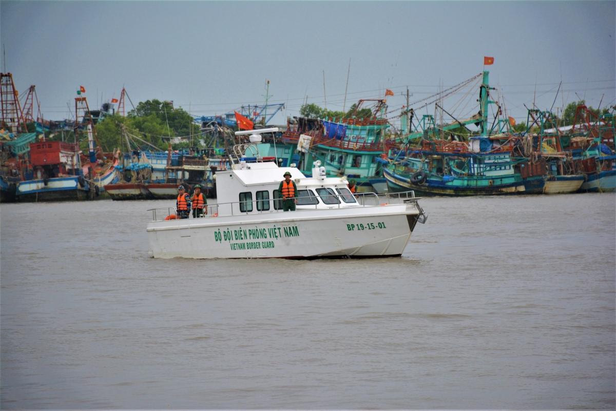 Lực lượng bộ đội Biên phòng tỉnh Cà Mau đang ngày đêm làm nhiệm vụ kiểm soát nhập cảnh trái phép đường biển.
