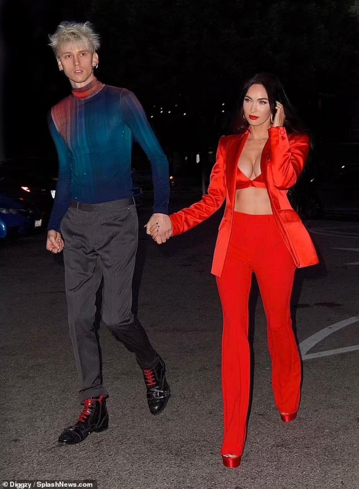 Ngày 16/5 (giờ địa phương) là sinh nhật của Megan Fox nên cô được bạn trai đưa đi ăn tối và hẹn hò lãng mạn.