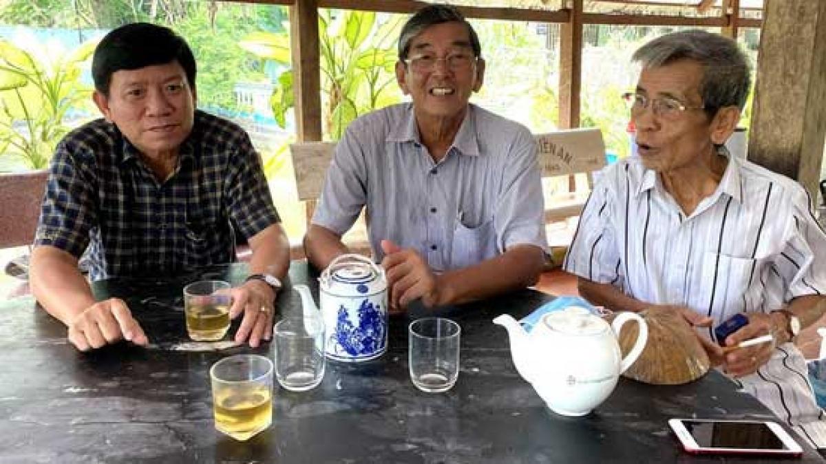 Ông Hồ Quang Cua (giữa) chia sẻ kế hoạch đăng ký bảo hộ gạo ST24, ST25 tại Austrlia và Mỹ. (Ảnh: K.T)