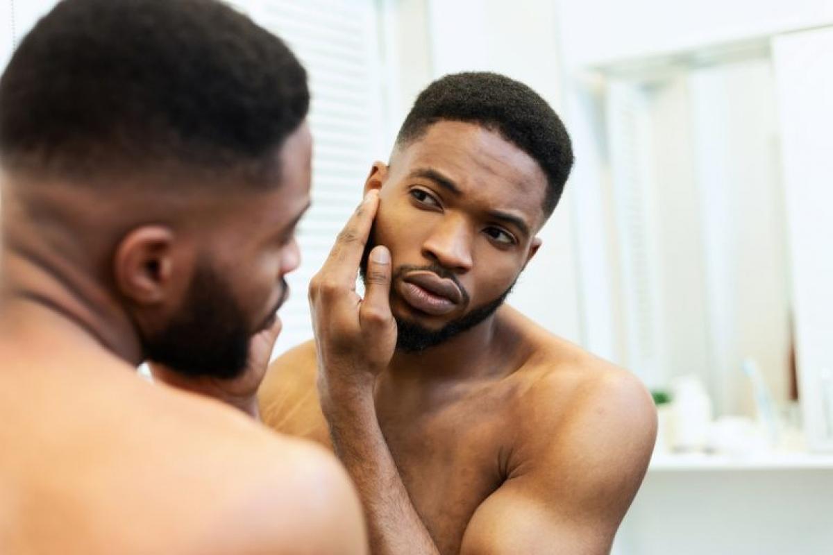 Cải thiện da: Muốn có được làn da sạch và khỏe, bạn cần chăm sóc da từ bên trong. Thay vì chọn thịt đỏ, hãy ăn thật nhiều hoa quả và rau xanh để bổ sung các vitamin A, C, E giúp chống lại các gốc tự do gây viêm mụn.