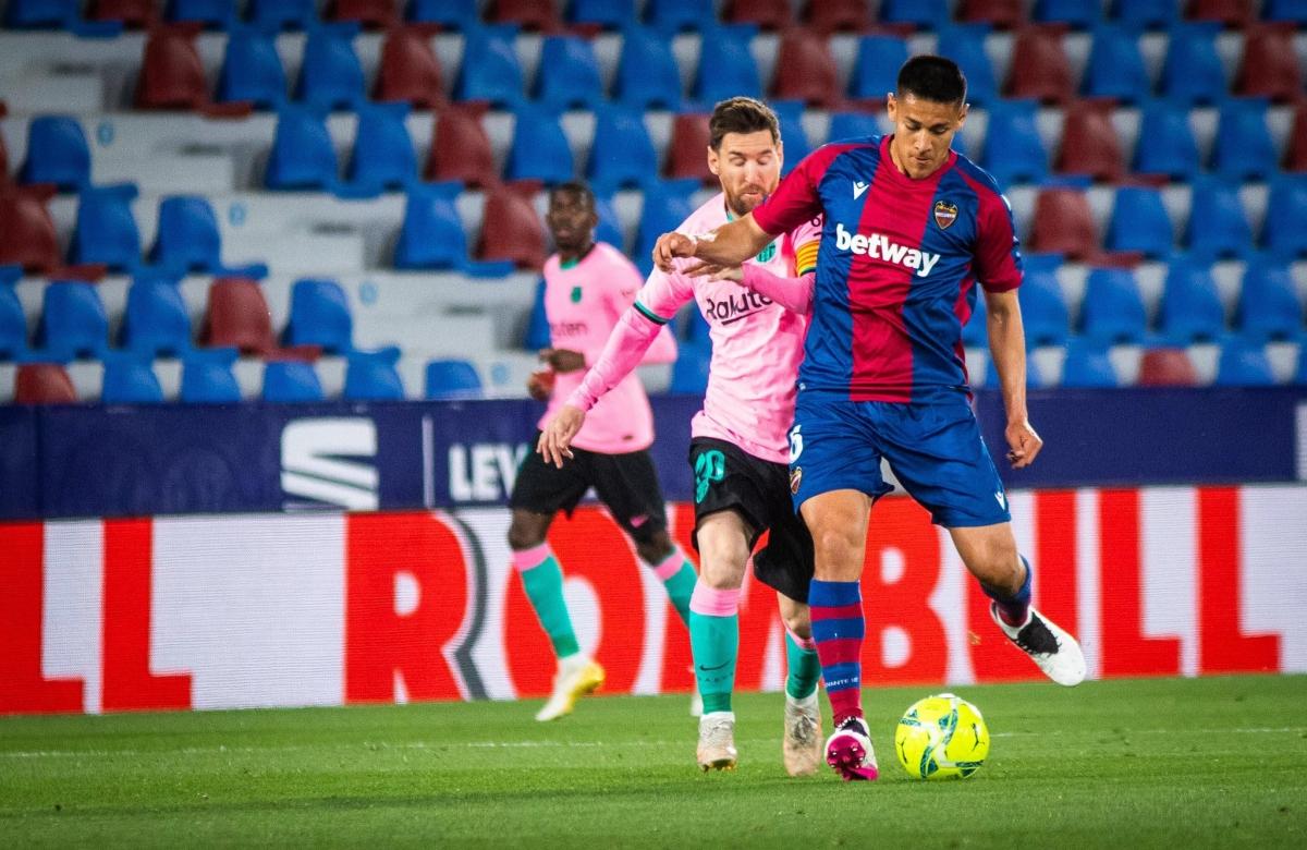 """Levante """"ngáng chân"""" Barca trong cuộc đua vô địch La Liga. (Ảnh: Getty)"""