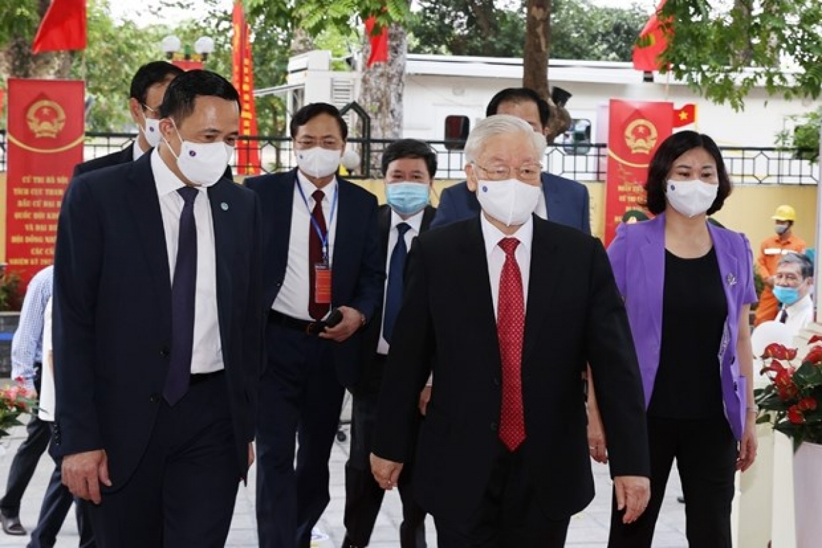 Party General Secretary Nguyen Phu Trong goes to the polls in Hai Ba Trung district, Hanoi.