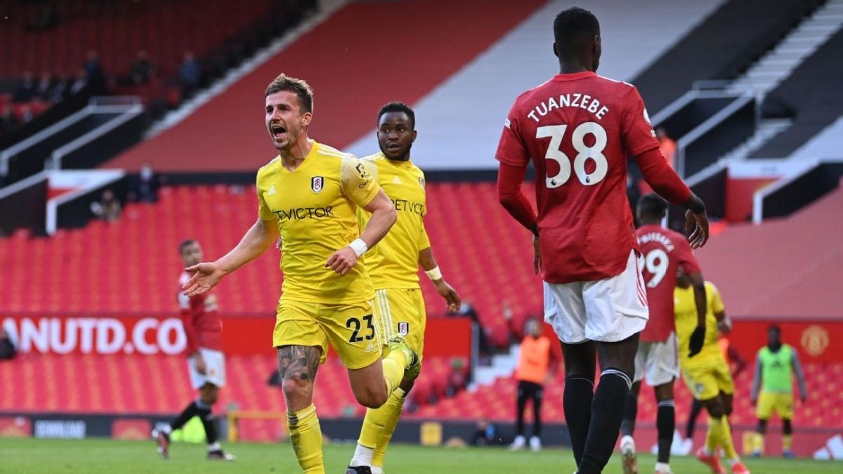 Bryan gỡ hòa cho Fulham. (Ảnh: Getty)