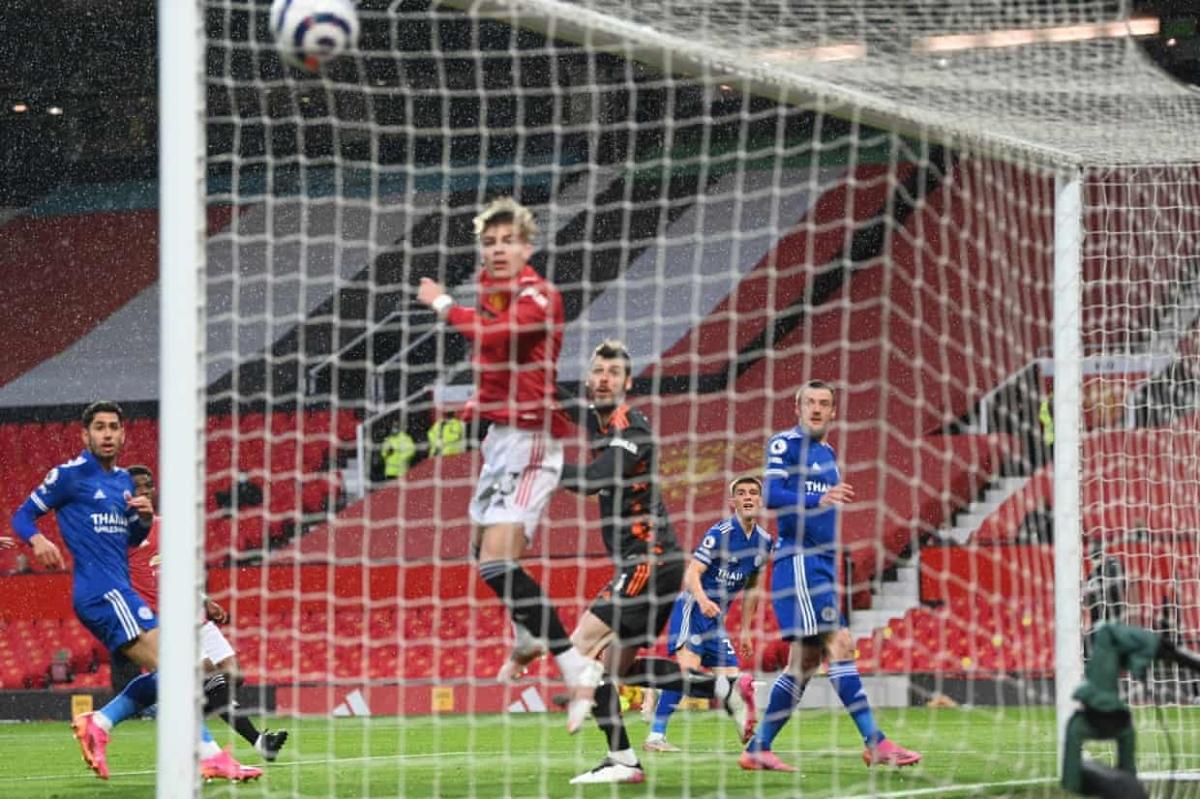 Thomas mở tỷ số cho Leicester với cú sút hiểm hóc. (Ảnh: Getty)