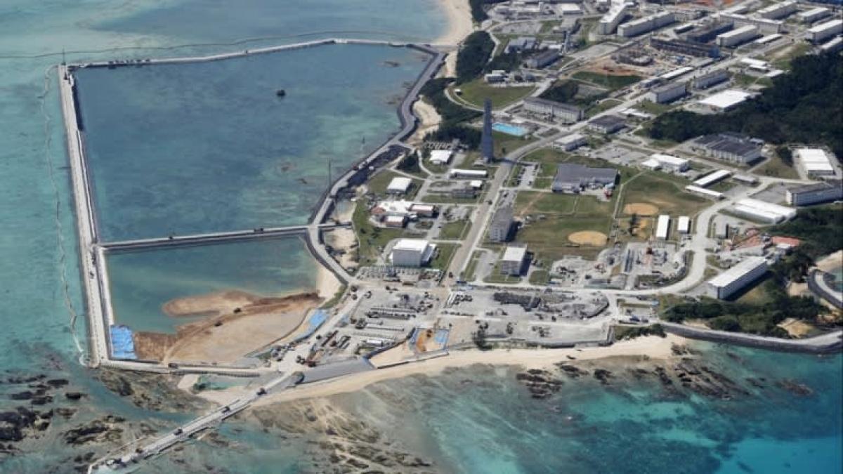 Công việc cải tạo đất đang được tiến hành ở địa điểm tái bố trí căn cứ Futenma của Mỹ ở quận duyên hải Henoko, ở Nago, Okinawa. Ảnh: Reuters