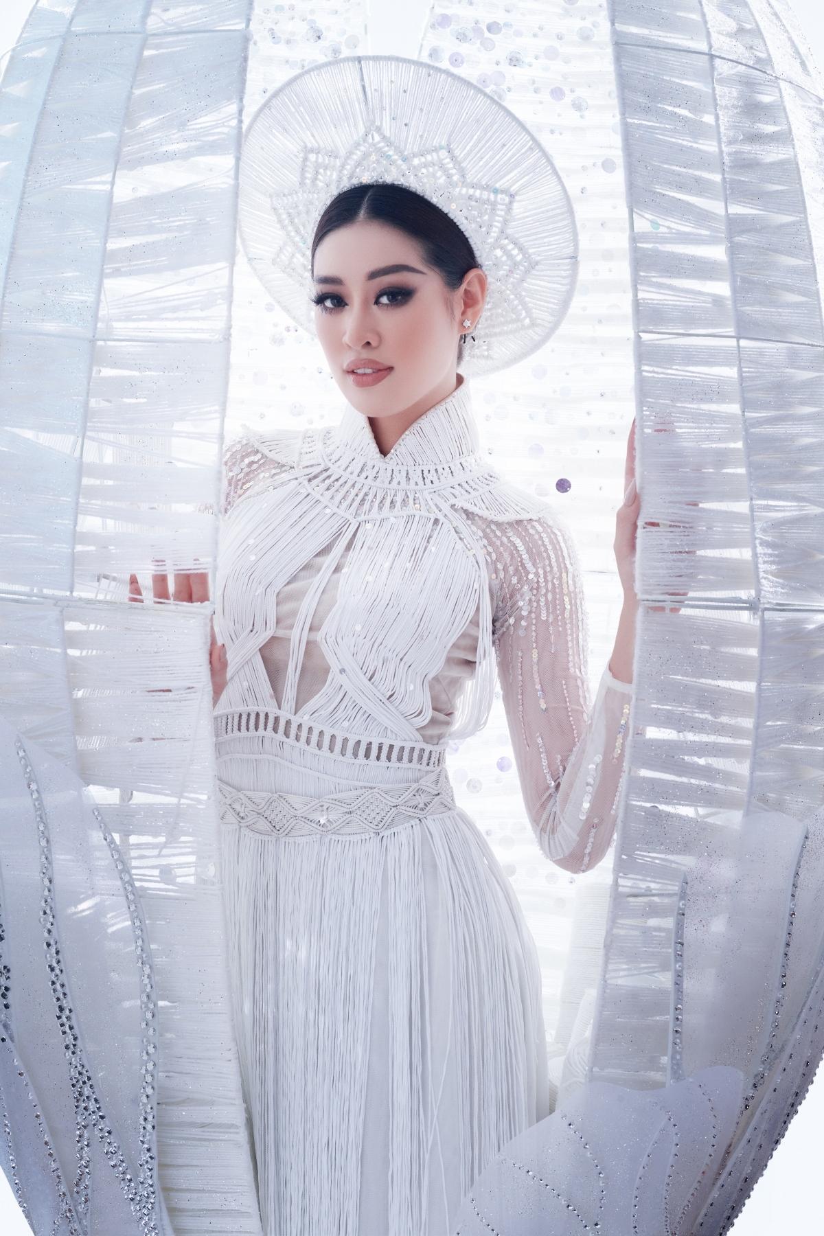 """Hoa hậu Khánh Vân trong thiết kế """"Kén em""""."""