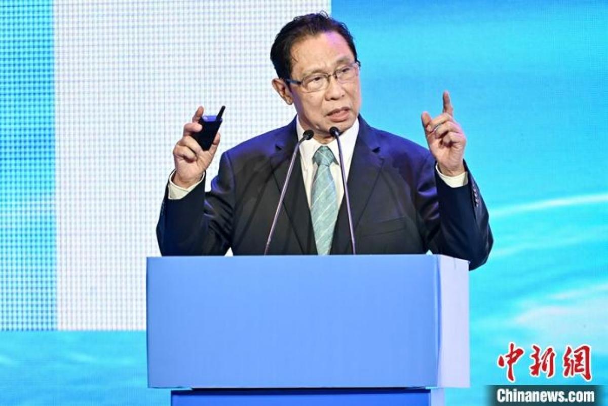 Ông Chung Nam Sơn phát biểu tại hội nghị. Ảnh: Chinanews.jpg