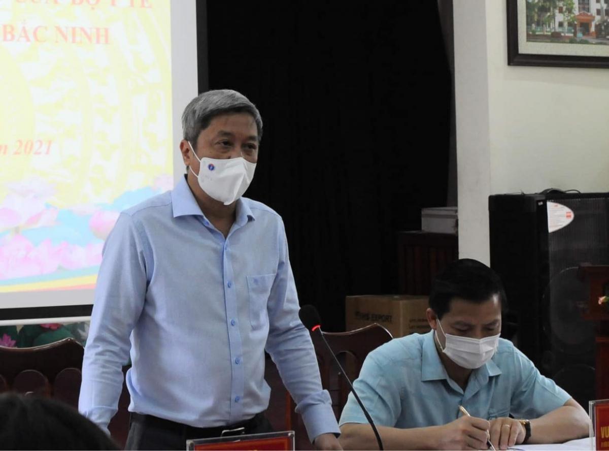Thứ trưởng Bộ Y tế Nguyễn Trường Sơn phát biểu tại cuộc họp. (Ảnh: Hoàng Dương- Bộ Y tế)