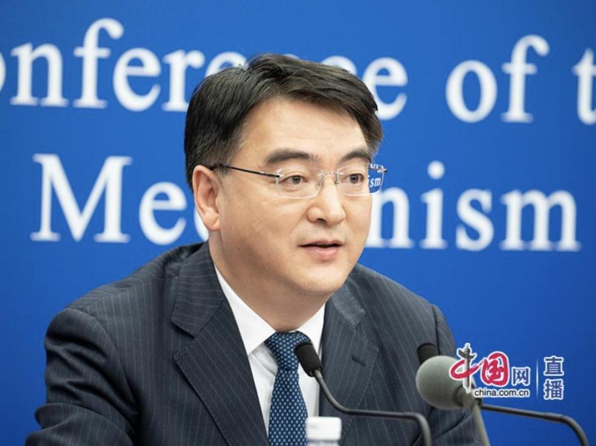 Ông Trịnh Trung Vĩ, quan chức Ủy ban Y tế và Sức khỏe Quốc gia Trung Quốc. Ảnh: mạng china.com.cn