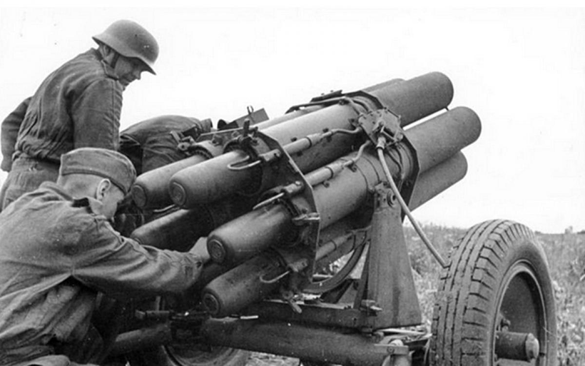 Pháo binh phe Đức Quốc xã. Ảnh: Bundesarchiv.