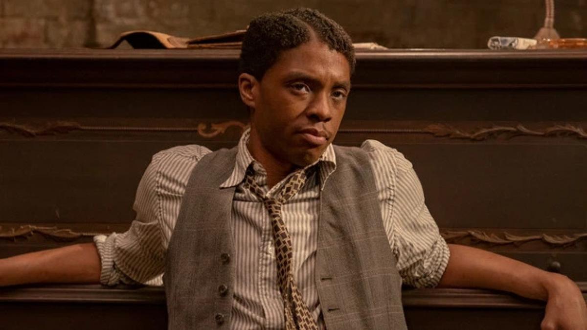 """Nam tài tử quá cố Chadwick Bosemanđược vinh danh ở hạng mục""""Màn trình diễn xuất sắc trong phim truyện điện ảnh""""."""