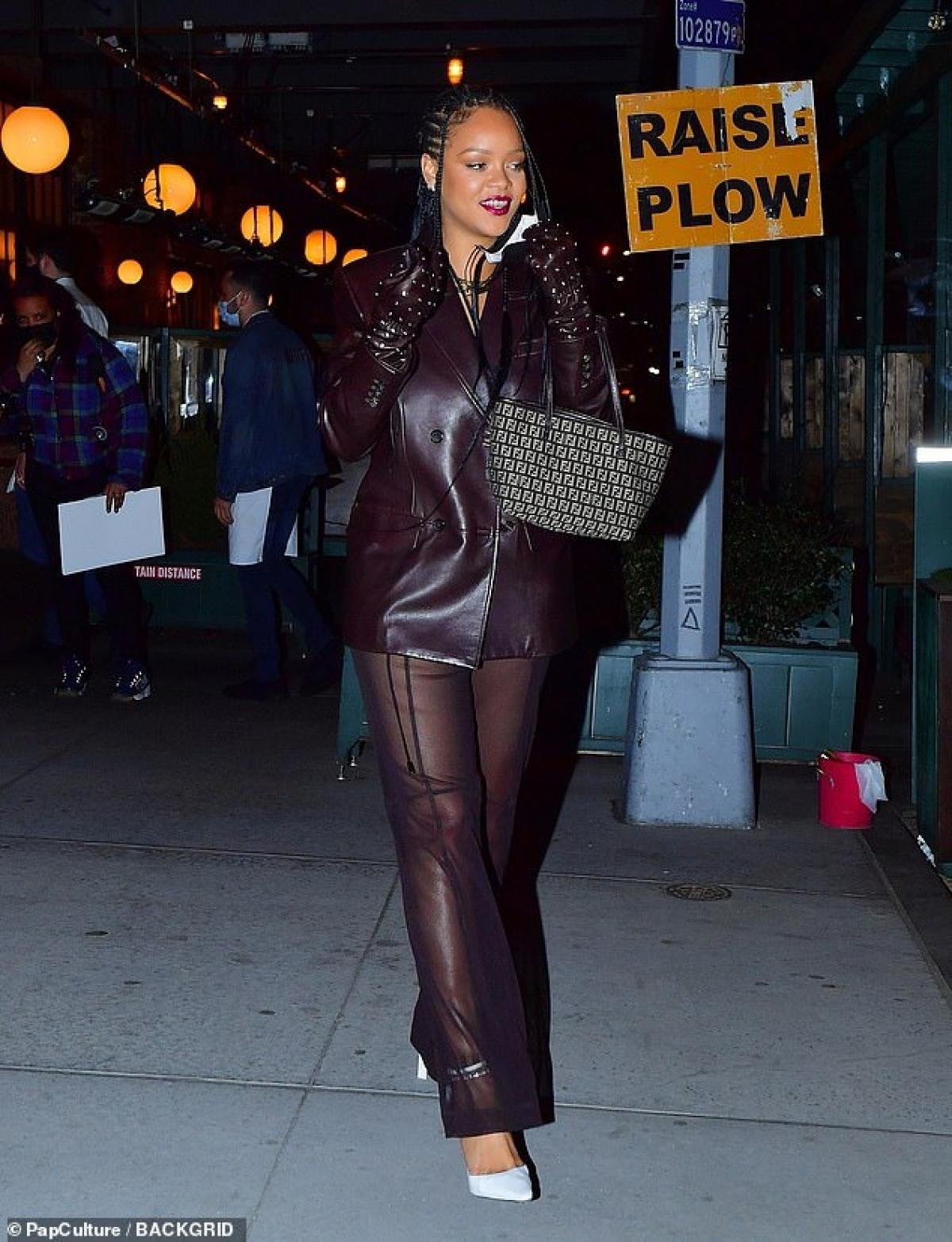 """Anh cũng được Rihanna giới thiệu trong ca khúc """"Cockiness""""./."""