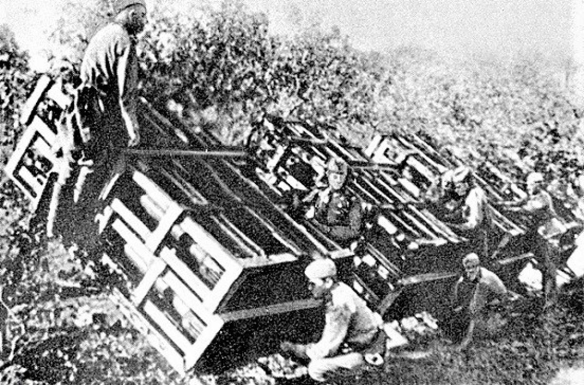 """Tên lửa bắn loạt M-30 có uy lực đáng sợ hơn Katyusha, được lính Đức Quốc xã đặt cho biệt danh """"thùng bắn""""; Nguồn: russian7.ru"""