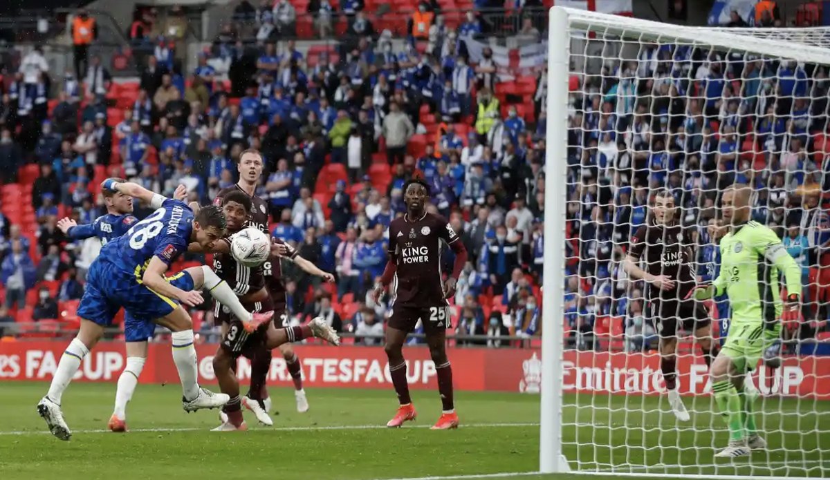 Trận chung kết FA Cup vẫn chưa có bàn thắng sau gần 1 giờ thi đấu. (Ảnh: Getty).