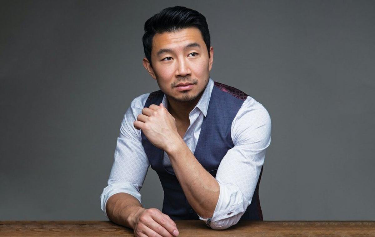 Nam diễn viên Simu Liu.