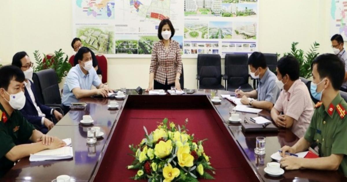 Bà Nguyễn Hương Giang - Chủ tịch UBND tỉnh Bắc Ninh làm việc với công ty SEV chiều 11/5.