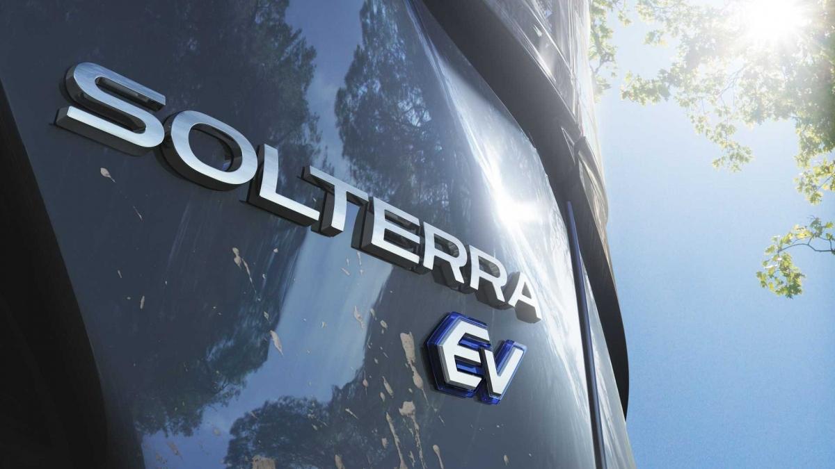 Hình ảnh cho thấy đây là một mẫu xe điện (EV).