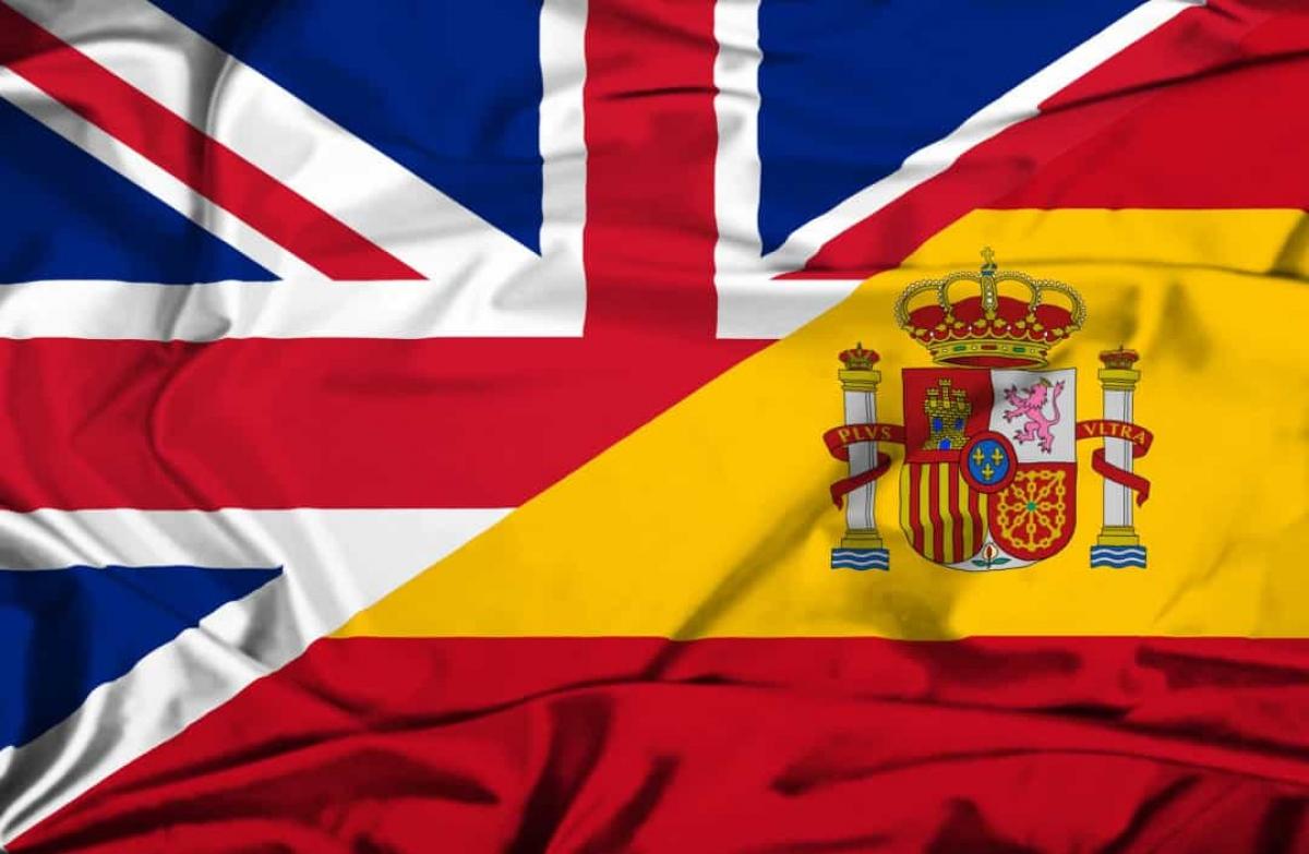 Chiến tranh vì chiếc tai của Jenkins (1739 - 17148): Cuộc chiến nổ ra giữa Anh và Tây Ban Nha này kéo dài suốt 9 năm và thực sự bắt đầu vì một chiếc tai bị cắt. Năm 1731, chiếc tai của Chỉ huy người Anh Robert Jenkins đã bị những người lính Tây Ban Nha cắt khi ông từ chối đáp tàu vào Tây Ấn.