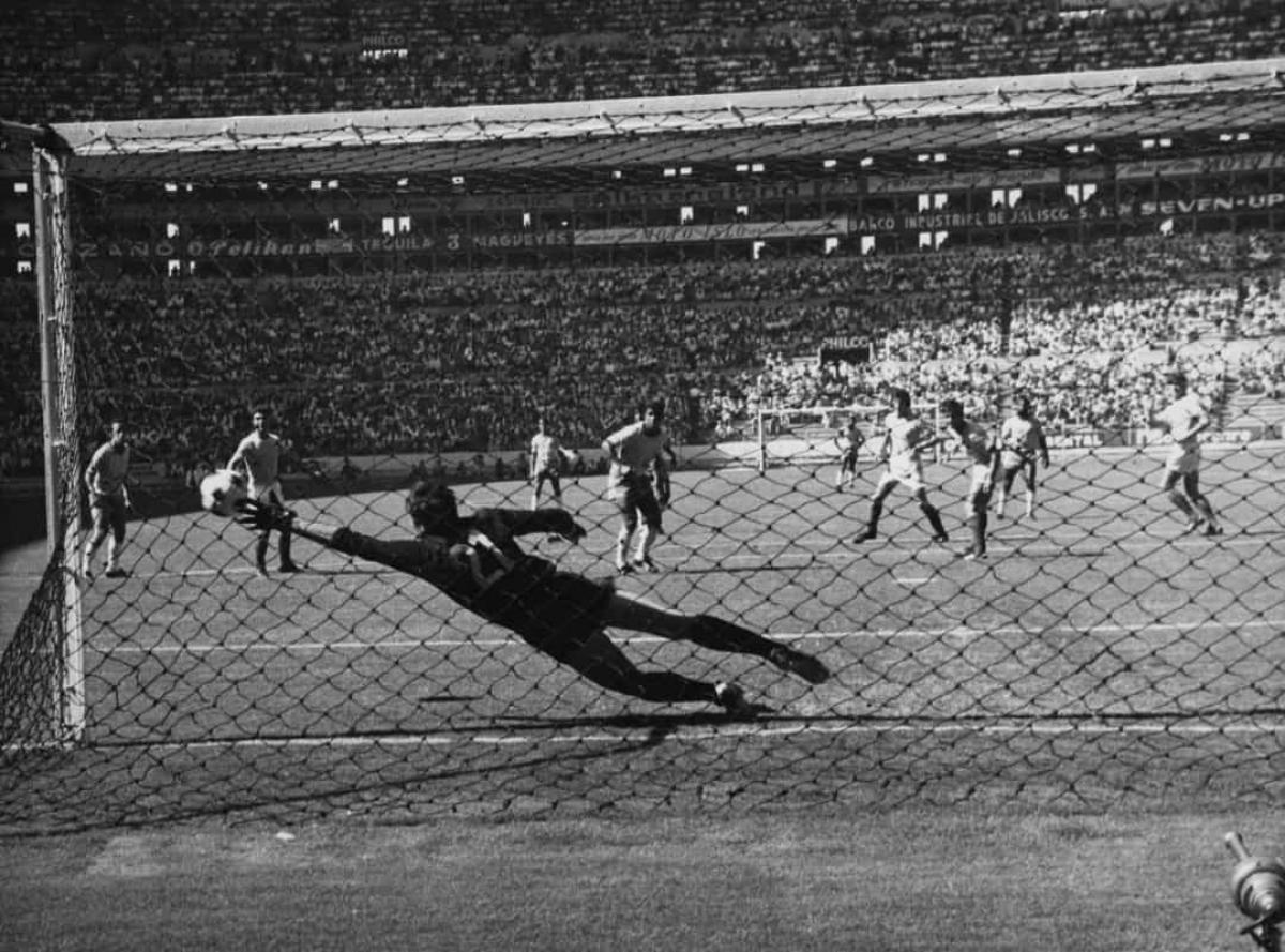 Cuối cùng, cuộc chiến này đã khiến hơn 2.000 thiệt mạng trong khi ở World Cup, El Salvador thua và không ghi được bất kỳ bàn nào.