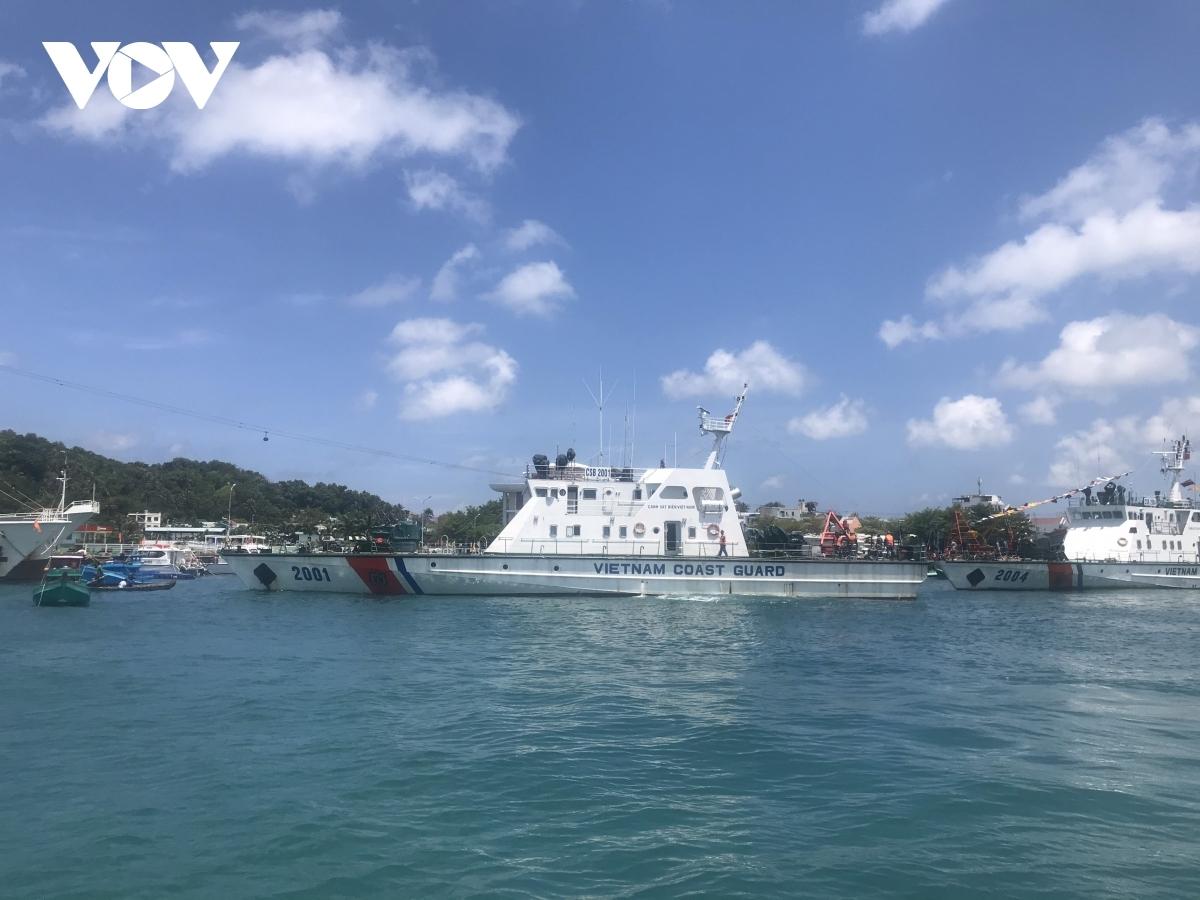 Tàu trực chiến tuần tra, kiểm soát trên vùng biển Tây Nam