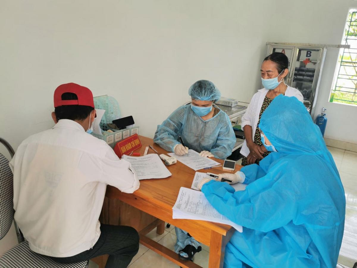 Việc khai báo y tế được triển khai nghiêm túc tại các địa phương ở tỉnh Thái Bình, bởi hiện nay đã xuất hiện 7 ổ dịch Covid-19. (Ảnh minh họa: KT)