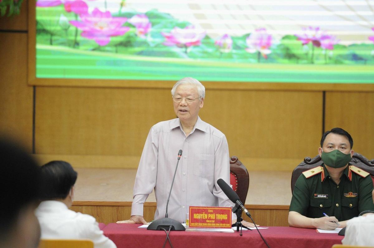 Tổng Bí thư Nguyễn Phú Trọng trình bày tại Hội nghị.