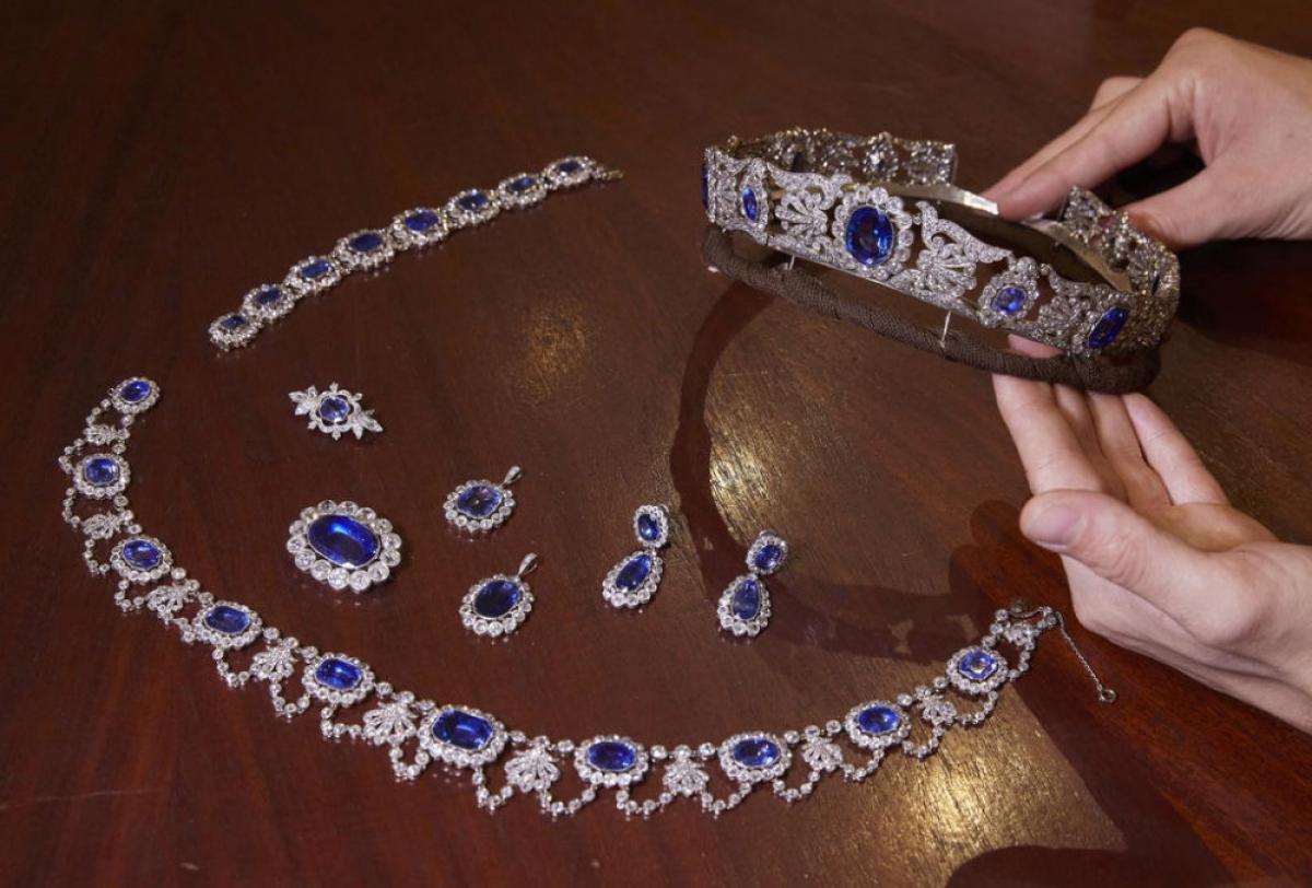 Bộ trang sức gắn kim cương và sapphire đẹp không tì vết. Ảnh: Christie's