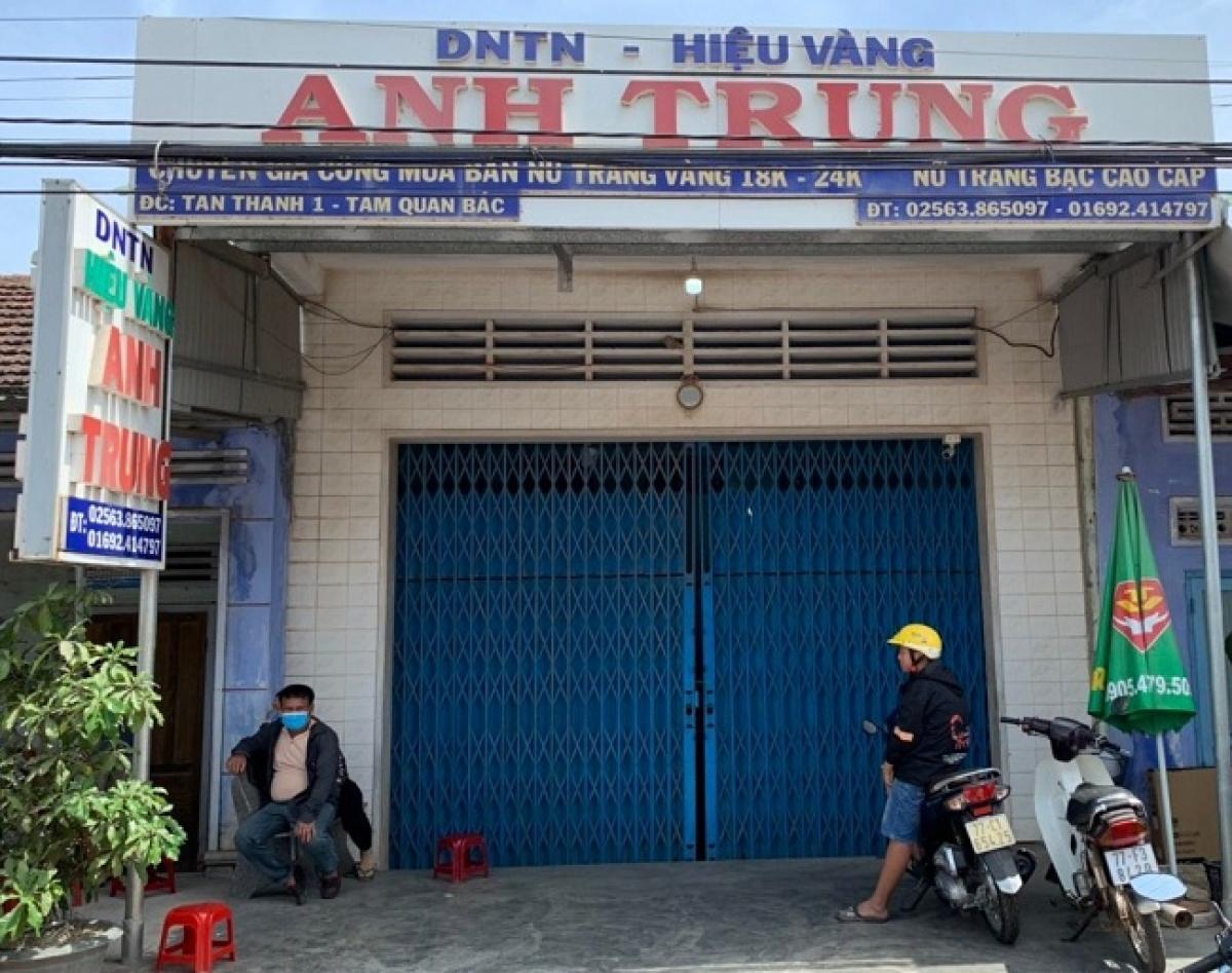 Hiệu vàng Anh Trung, nơi xảy ra vụ trộm. Ảnh: baobinhdinh.com.vn