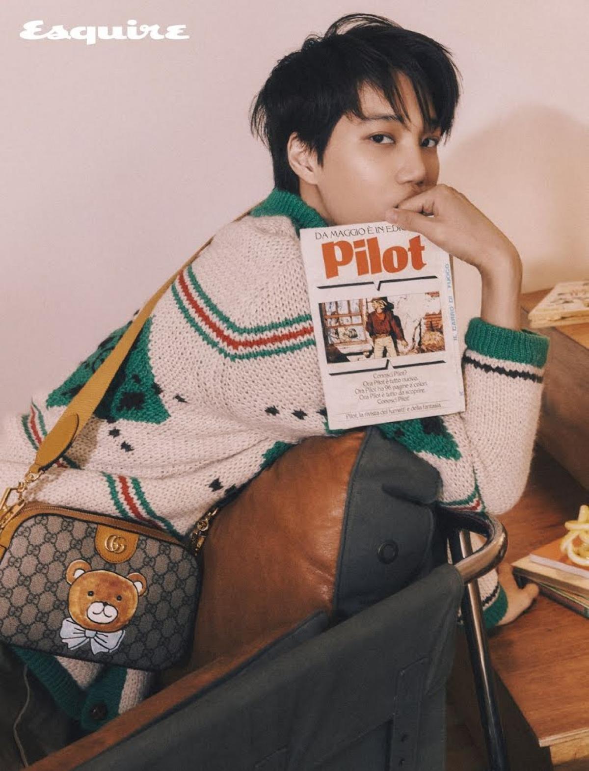 Dù được biết đến là một ca sĩ, vũ công nhưng Kai cũng rất tỏa sáng với vai trò người mẫu, gương mặt trang bìa cho các tạp chí.