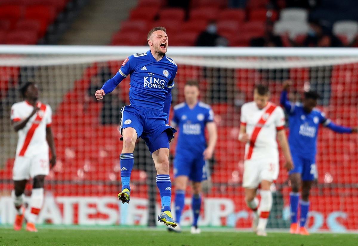 Vardy ăn mừng sau khi cùng Leicester có chiến thắng ở bán kết FA Cup hồi tháng 4. (Ảnh: FA).