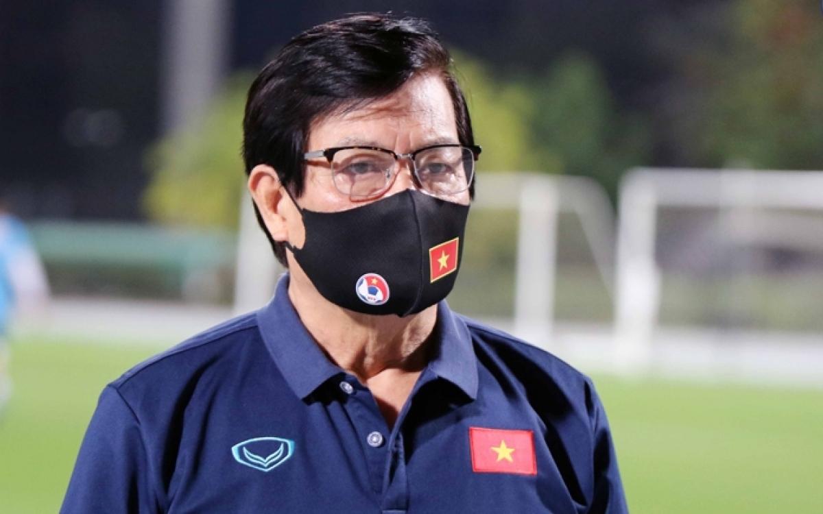 Ông Nguyễn Sỹ Hiển - Trưởng đoàn ĐT Việt Nam thi đấu Vòng loại World Cup 2022 tại UAE (Ảnh: VFF).