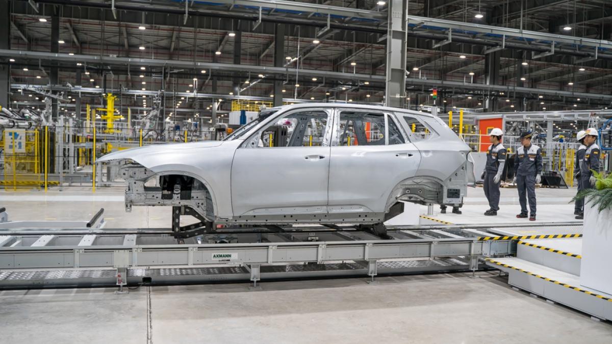 Theo ước tính của Bộ Tài chính, trong 6 tháng giảm 50% phí trước bạ cho ô tô lắp ráp trong nước, thu ngân sách nhà nước giảm khoảng 3.700 tỷ đồng.