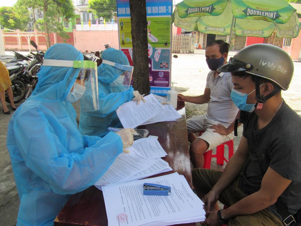 Đà Nẵng tăng tốc xét nghiệm các đối tượng nguy cơ lây nhiễm Covid-19 như lái xe grab, taxi