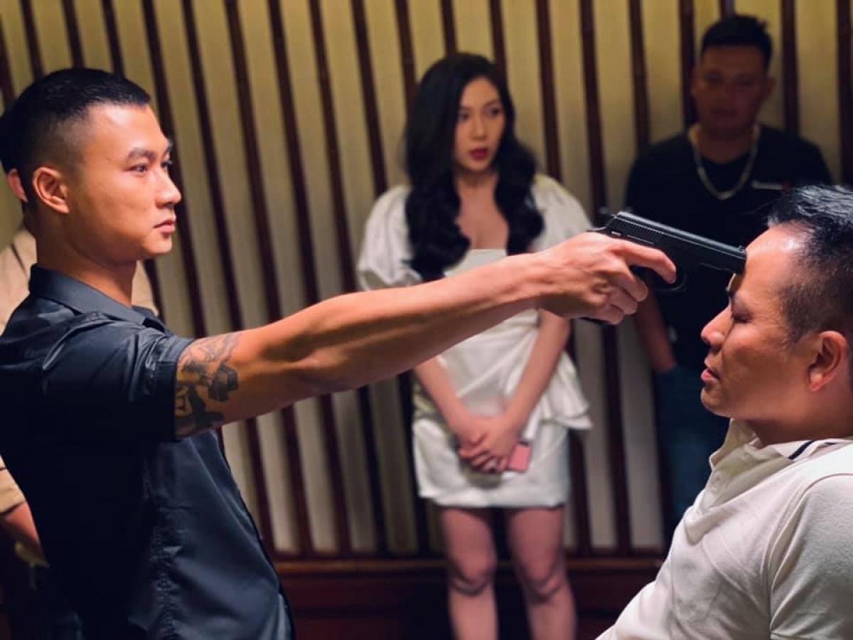 Duy Hưng trước đó là nhân vật chuyên trị vai xã hội đen hầm hố trên màn ảnh.