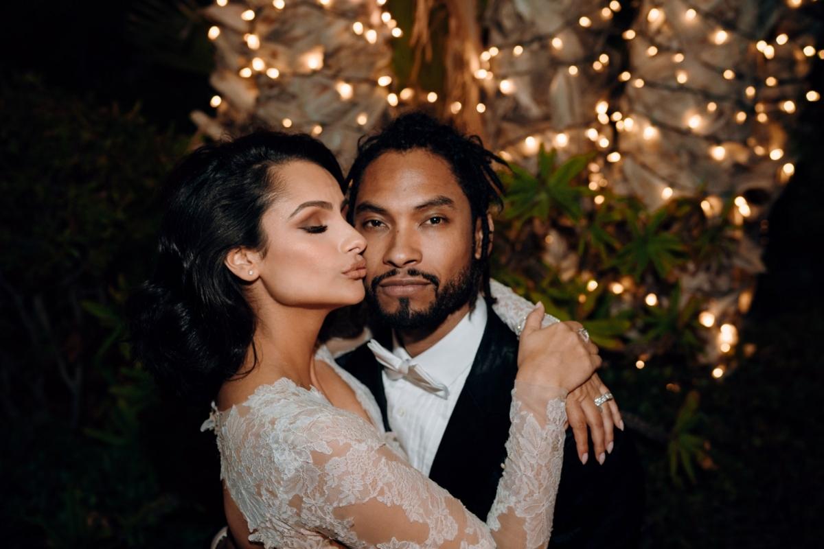 Ngôi sao âm nhạc quốc tế Miguel và người bạn tri kỷ thâm niên – người mẫu Nazanin Mandi đã chính thức về chung một nhà sau 12 năm hẹn hò. Cặp đôi đính hôn vào năm 2016 và làm lễ cưới vào năm 2018. Đámcưới trong mơ được tổ chức ở Hummingbird Nest Ranch bên ngoài thành phố Los Angeles. Cô dâu Nazanin đã khoác lên mình chiếc váy cưới của nhà thiết kế Monique Lhuillier. Sau buổi lễ, các vị khách được chiêu đãi một bữa tối thịnh soạn đậm hương vị truyền thống Mexico.