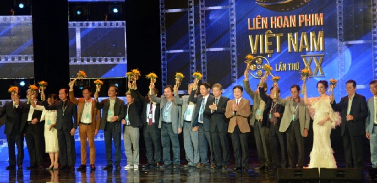Artists are honoured at the 20thVietnam Film Festival.