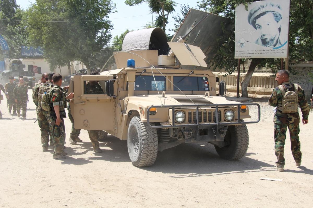 Biệt kích Afghanistan tại khu vực đụng độ với Taliban ở tỉnh Kunduz ngày 22.6