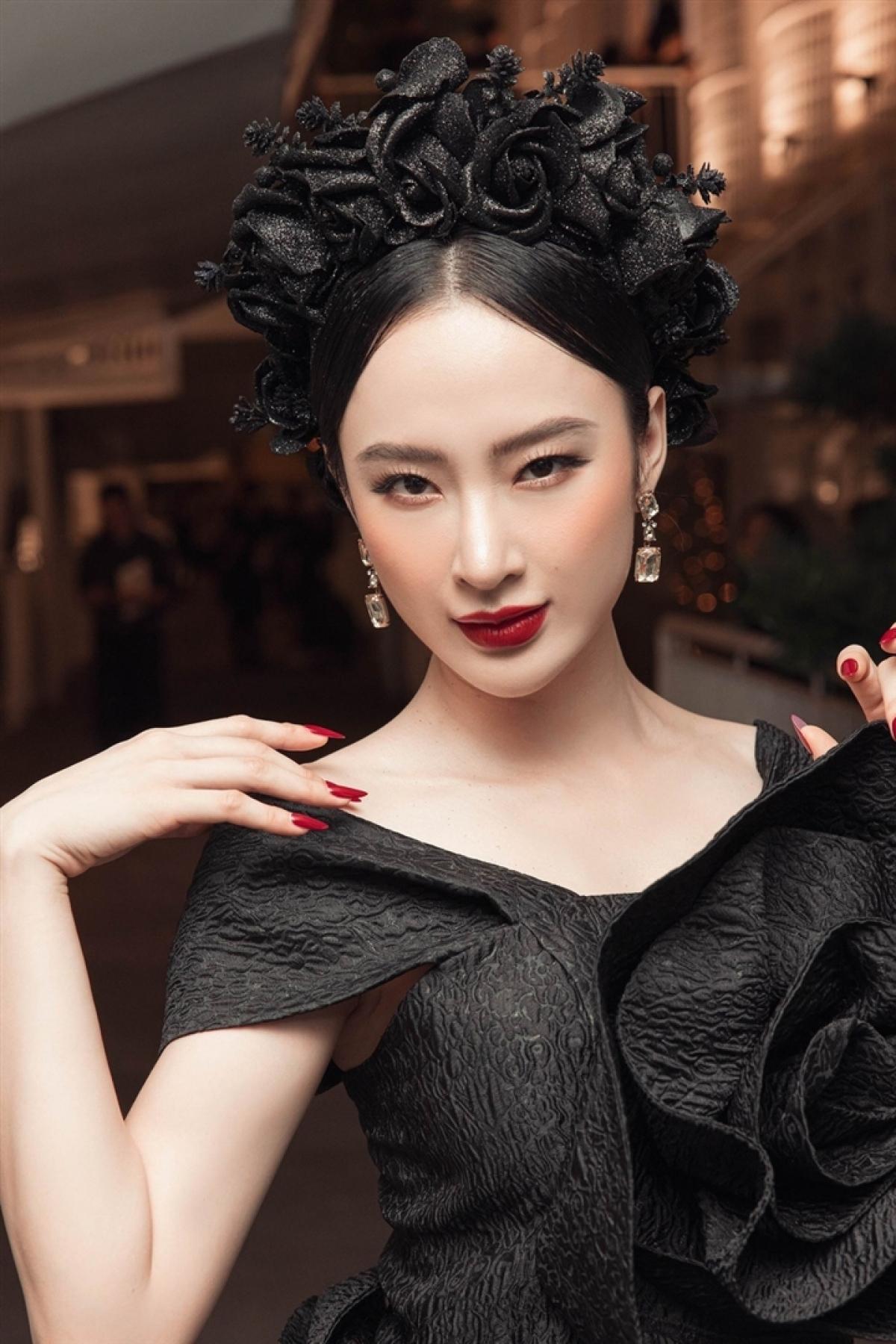 Hình ảnh khi trưởng thành của Angela Phương Trinh.