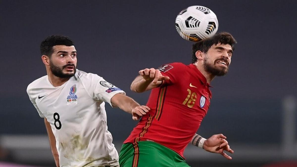 Pedro Neto: Tiền vệ ĐT Bồ Đào Nha dính chấn thương chân trái hồi tháng 4.
