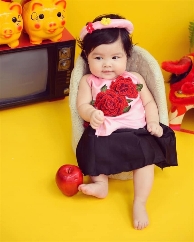 Nam diễn viên Trần Bảo Sơn nổi tiếng là cưng chiều con. Anh thường dành nhiều thời gian chơi với các con.