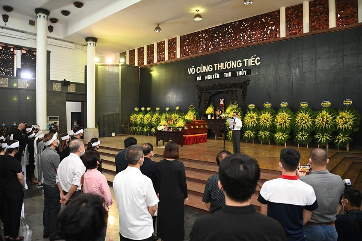 PGS. TS Phạm Văn Tình,Tổng Thư ký Hội Ngôn ngữ học Việt Namđọcđiếu văn.